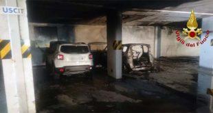 Valdagno, incendio nel garage di un supermercato
