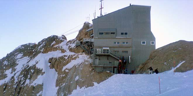 Consiglio regionale sul cucuzzolo della montagna