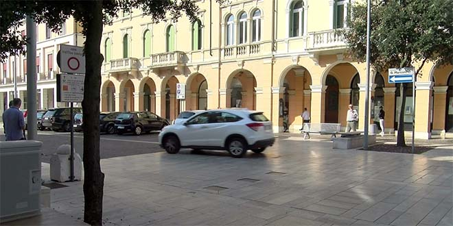 Arzignano, istituito senso unico in Piazza Marconi