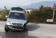 Auto contro camion, 300 litri di gasolio sulla strada