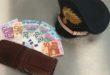 Ragazzo trova portafogli 620 euro e lo consegna