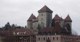 Il Castello di Annecy - Foto di Didier di Wikipedia in francese (CC BY-SA 3.0)