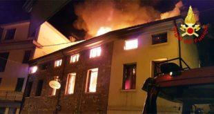 Marano, incendio devasta un ristorante
