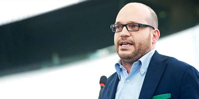Il ministro per la famiglia Lorenzo Fontana - Foto Parlamento Europeo (CC BY-NC-ND 2.0)