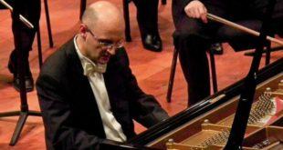 Il maestro Riccardo Zarda, domani al Pedrollo, assieme al mezzosoprano Lucia Rizzi