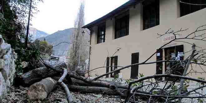 Dopo il maltempo, alle Grotte di Oliero si lavora per sistemare i danni subiti