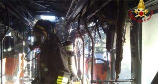 Vicenza, fiamme su un autobus di linea urbana