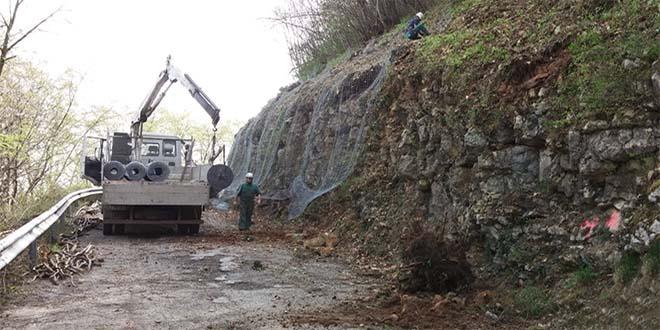 Un fase dei lavori sulla strda Panoramica di Montepulgo