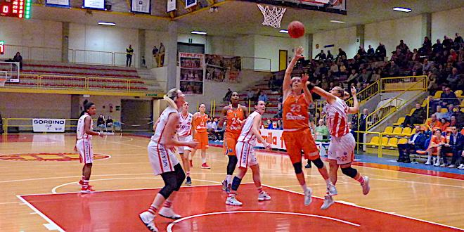 Basket femminile, il Famila Schio travolge Empoli
