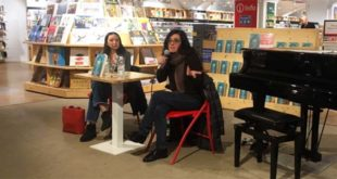 Michela Marzano presenta il suo libro, a Milano (Foto tratta dal suo profilo Facebook)