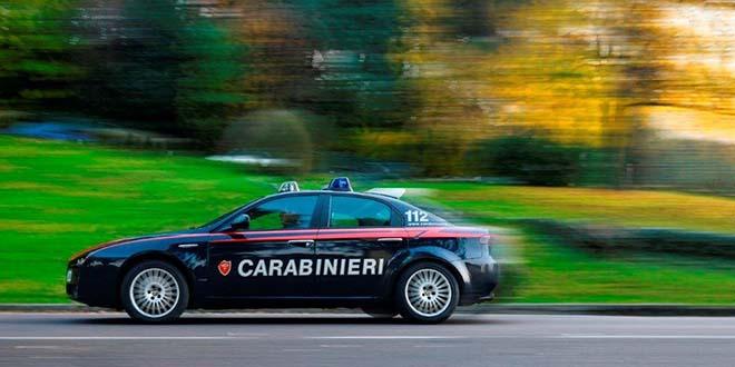 Intervenuti per sedare una lite, i carabinieri hanno segnalato i conviventi quali assuntori di stupefacenti