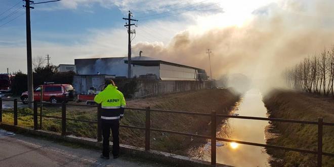 Incendio a Campiglia, le nuove analisi di Arpav