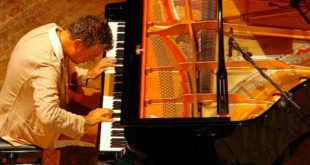 Marco Tezza, titolare della cattedra di Pianoforte al conservatorio Pedrollo di Vicenza