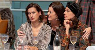 """Da sinistra, Anna Zago, Denise Marzari e Anna Valle in """"Cognate"""". Foto di Luigi De Frenza"""