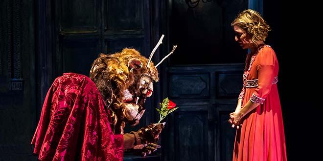 """""""La bella e la bestia"""" di StIvalaccio Teatro (Foto di Luigi De Frenza)"""