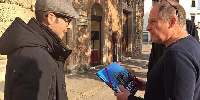 Michael Hoffman, a destra, con l'assessore del Comune di Vicenza Matteo Celebron