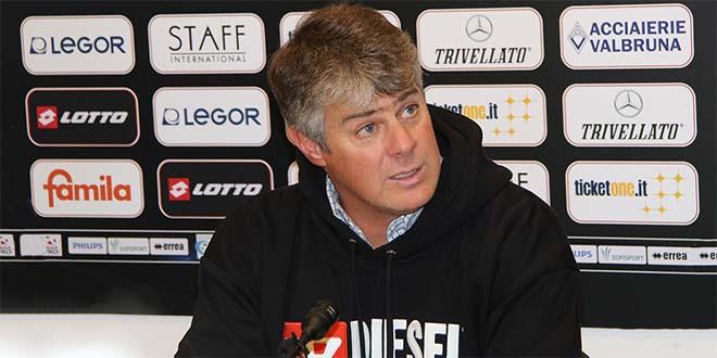 L'allenatore del Vicenza Michele Serena