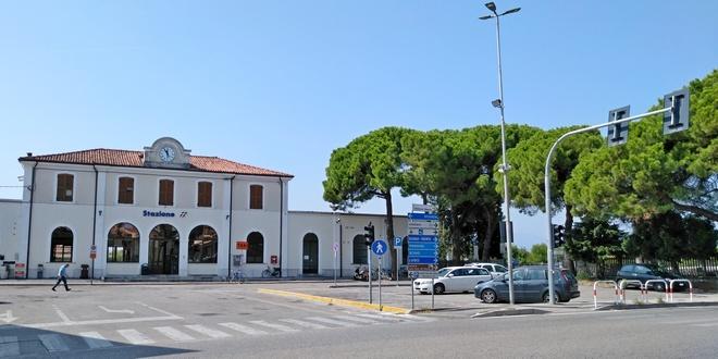 I responsabili dell'aggressione sono stati fermati dai carabinieri in stazione a Thiene