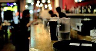 42enne pizzicato dai carabinieri dopo aver rubato un portafoglio in un bar