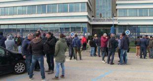 Vicenza, prosegue la protesta dei lavoratori Valbruna