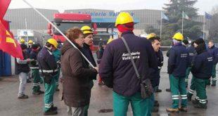 Vicenza, scioperano i lavoratori della Valbruna