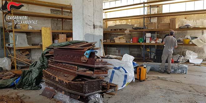 Fiera dell'orrore per risparmiare sulla cremazione
