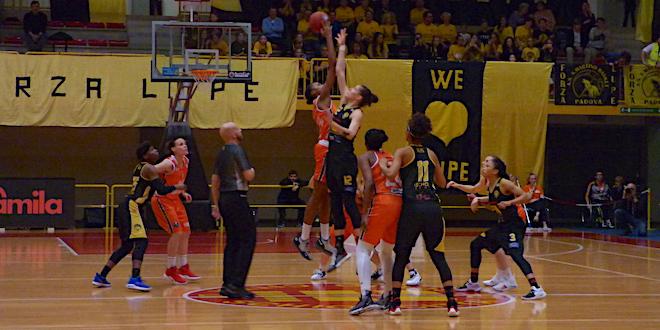 Basket, il Famila Schio espugna il PalaLupe