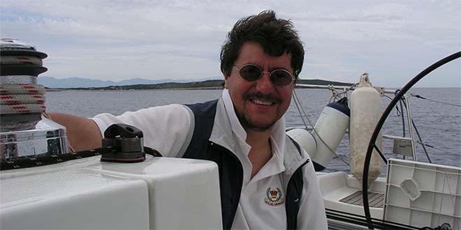 Alessandro Zago in barca, in una foto tratta dal suo profilo Facebook
