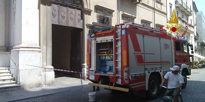 Vicenza, fiamme in una chiesa del centro