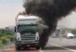 Autoarticolato va a fuoco sulla A4
