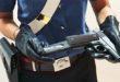 Tira fuori la pistola per una precedenza