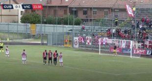 Giacomelli sta per calciare il rigore del raddoppio biancorosso (Screenshot da Eleven Sports)