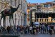 Vicenza, con Vioff ruotano le statue di Dalì