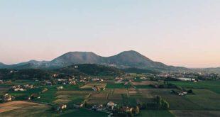L'area del parco regionale dei Colli Euganei (Foto HectyPizza - Wikipedia - CC BY-SA 4.0)