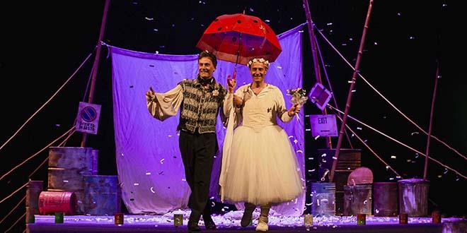 """Ale e Franz in """"Romeo e Giulietta - Nati sotto contraria stella"""" (Foto di Yasuko Kageyama)"""
