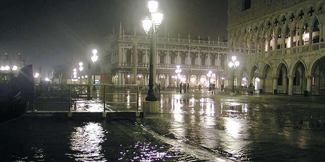 Il maltempo mette in ginocchio Venezia