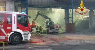 Incendio in un deposito alle Acciaierie Valbruna